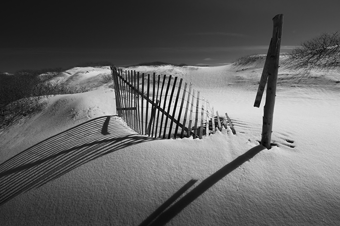 WINTER DUNE AND FENCE B&W 1